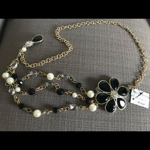 NWT WHITE HOUSE BLACK MARKET PEARL & GOLD BELT